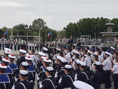 Un infirmier du CCAS de Tours sur la Place de la Concorde pour le 14 juillet